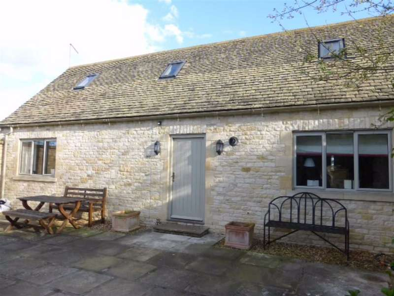 1 Bedroom Barn Conversion Character Property for rent in Chapel Street, Broadwell, Glos
