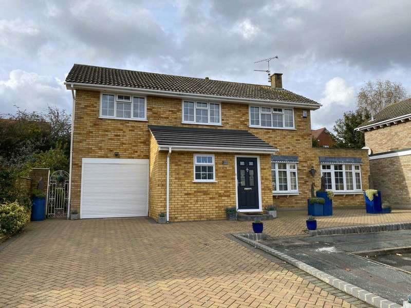 4 Bedrooms Detached House for sale in Longrise, Billericay