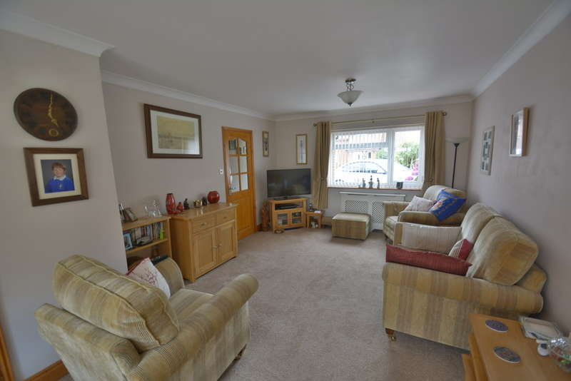 3 Bedrooms Semi Detached House for sale in Constable Court, Harleston