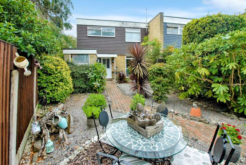 3 Bedrooms End Of Terrace House for sale in Bartholomew Lane, Saltwood, CT21