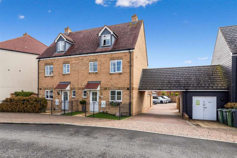 4 Bedrooms Semi Detached House for sale in Herdwick Close, Kingsnorth, Ashford
