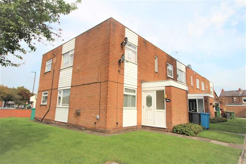 2 Bedrooms Flat for rent in Moor End, Manchester, M22 4JQ