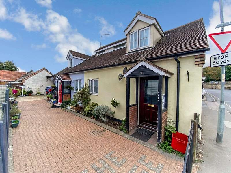 1 Bedroom Semi Detached House for sale in Clacton Road, Clacton-on-Sea, Essex, CO16