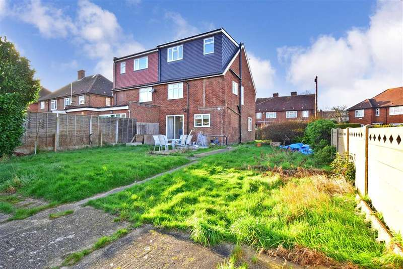 4 Bedrooms Semi Detached House for sale in Fyfield Road, , Woodford Green, Essex