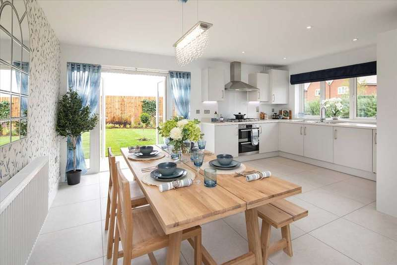 4 Bedrooms Semi Detached House for sale in Dursley, Dursley