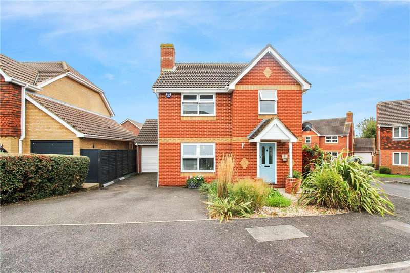 3 Bedrooms Detached House for sale in Ladyfields Close, Bobbing, Sittingbourne, ME9