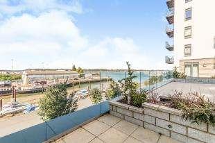 3 Bedrooms Flat for sale in Peninsula Quay, Pegasus Way, Gillingham, Kent