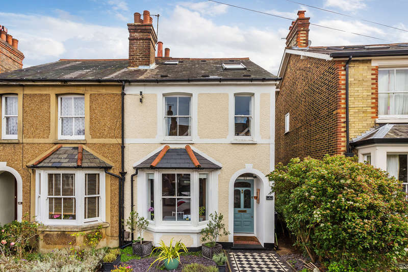 3 Bedrooms Semi Detached House for sale in Springcopse Road, Reigate