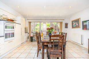 4 Bedrooms House for sale in Kerry Hill Way, Maidstone, Kent