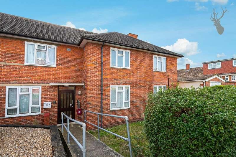 1 Bedroom Flat for sale in Chandler Road, Loughton, Essex