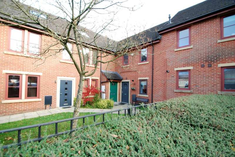 2 Bedrooms Apartment Flat for sale in Parish Walk, Ainsworth, Bolton