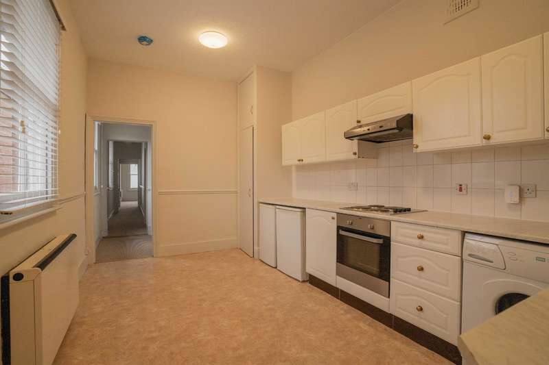 3 Bedrooms Flat for rent in South Street , Bishops Stortford, Herts