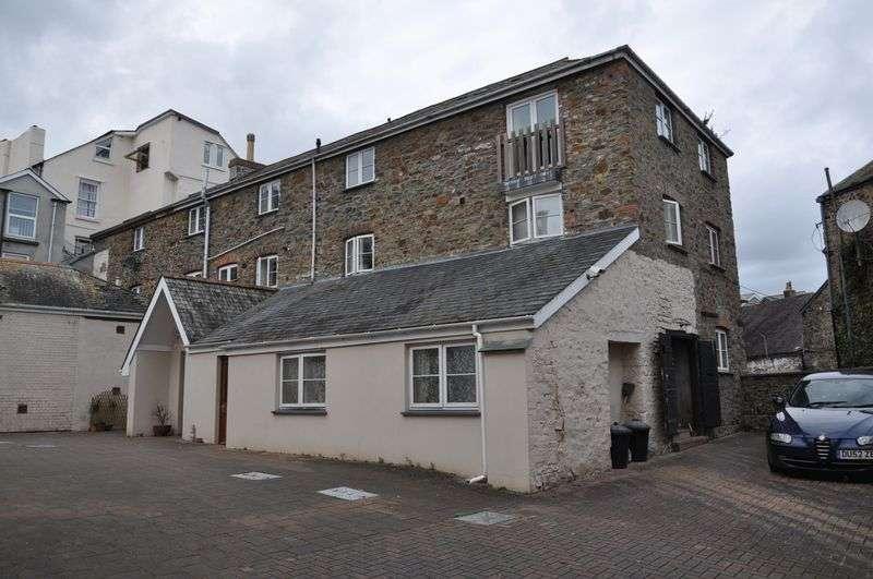 2 Bedrooms Property for rent in King Street, Bideford