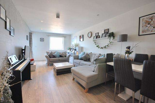 2 Bedrooms Apartment Flat for rent in 15 Ludgate Hill, Manchester, M4 4AP