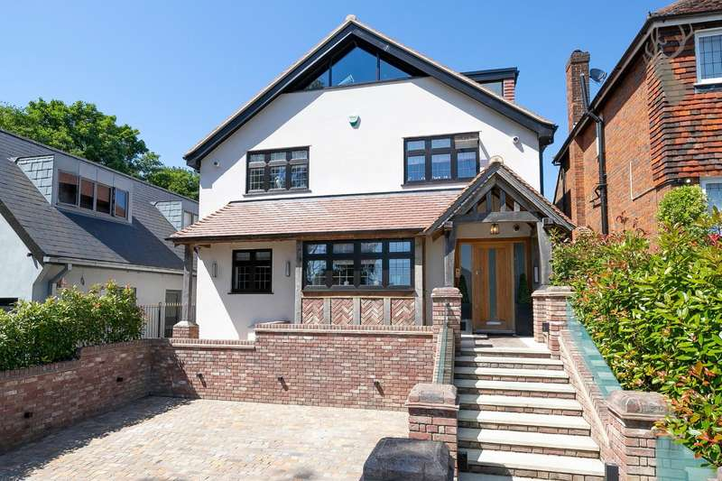 6 Bedrooms Detached House for sale in Goldings Rise, Loughton