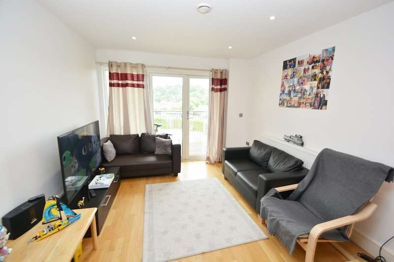 2 Bedrooms Flat for rent in Trident Point, Pinner Road, Harrow