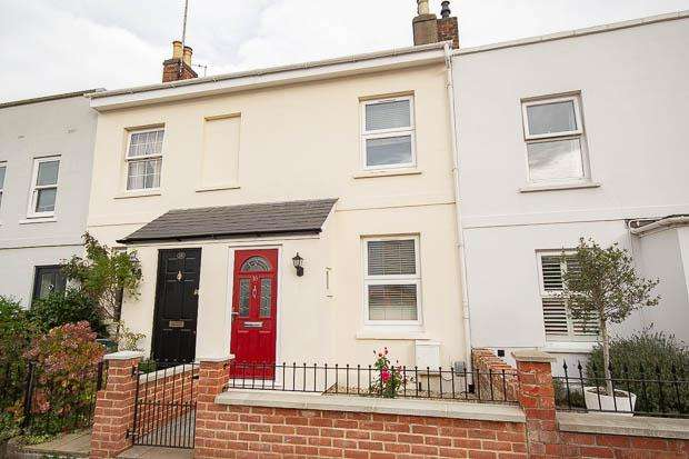 2 Bedrooms Terraced House for sale in Upper Norwood Street, Cheltenham, GL53 0DS