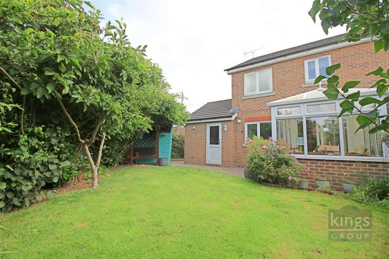 3 Bedrooms Semi Detached House for sale in Westbury Rise, Church Langley