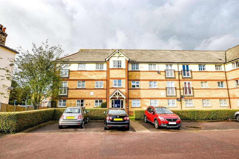 2 Bedrooms Apartment Flat for sale in Keeble Way, Braintree