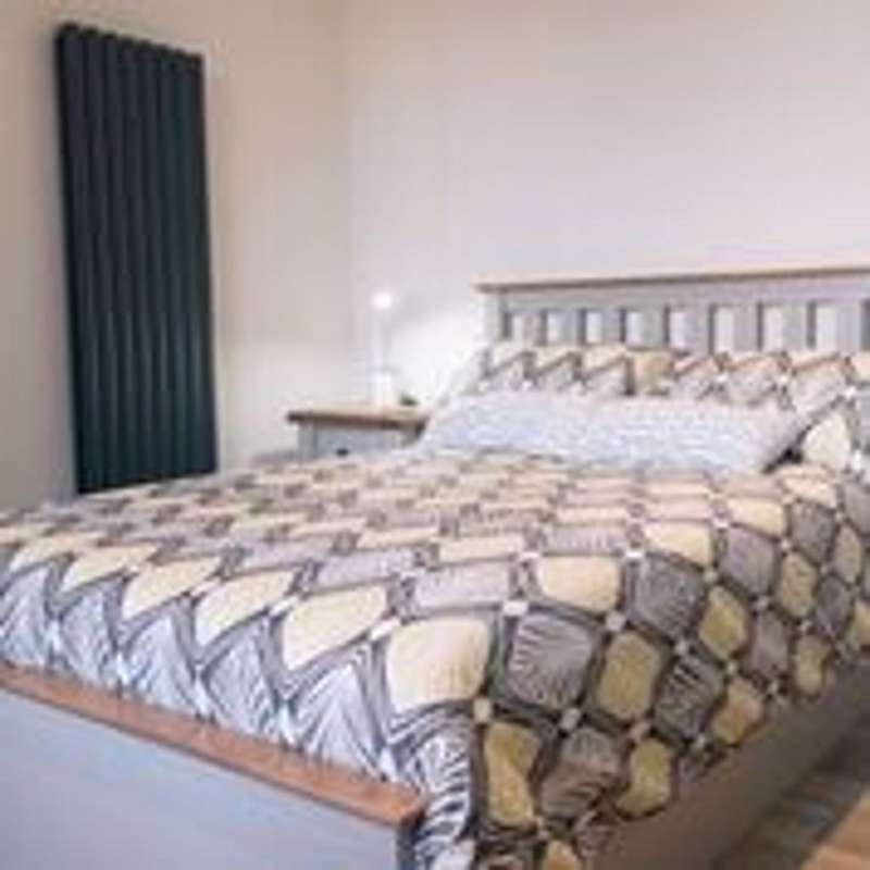 5 Bedrooms Flat for rent in Bells Square, S1 - High Specification