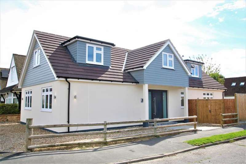 4 Bedrooms Detached House for rent in Rowtown