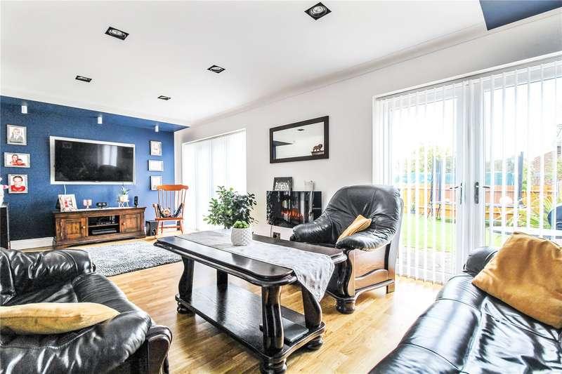 3 Bedrooms Semi Detached House for sale in Tyler Drive, Rainham, Kent, ME8