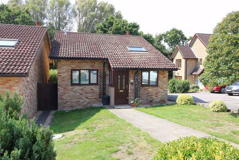 2 Bedrooms Detached Bungalow for sale in Bowland Rise, New Milton, Hampshire