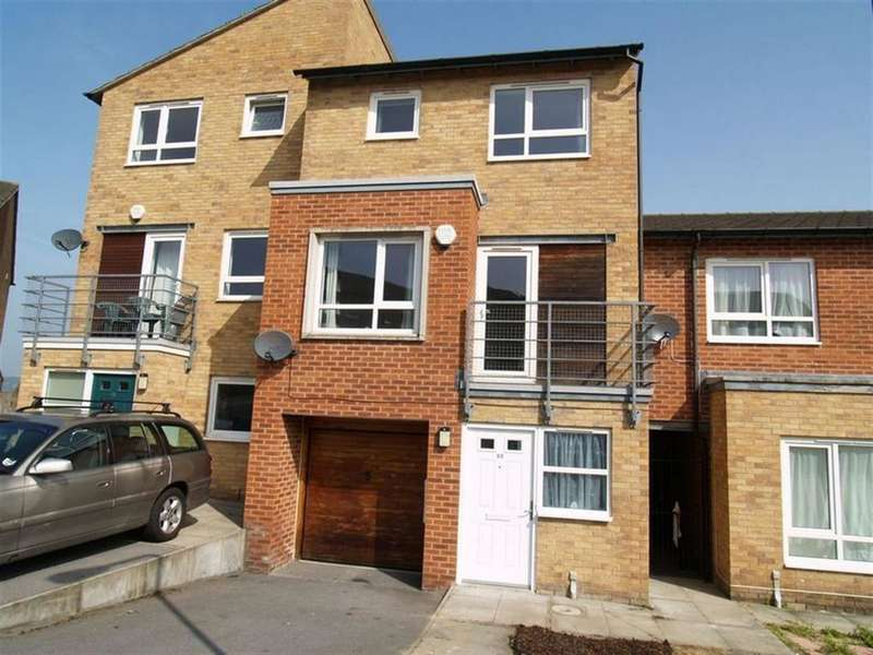 4 Bedrooms Town House for sale in Park Grange Court, Sheffield, S2 3SY