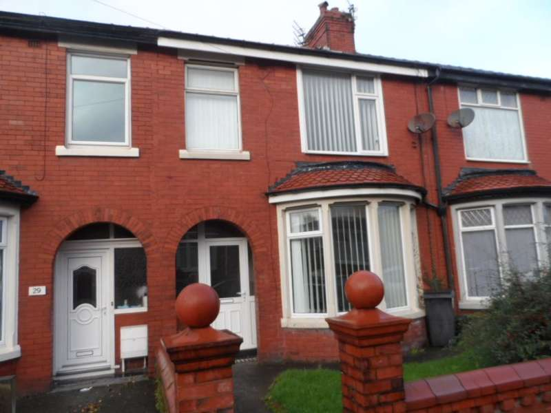 3 Bedrooms Terraced House for sale in Dutton Road, Blackpool, FY3 8DH
