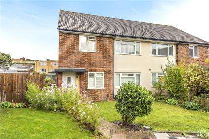 2 Bedrooms Maisonette Flat for sale in Waverley Close, Bromley