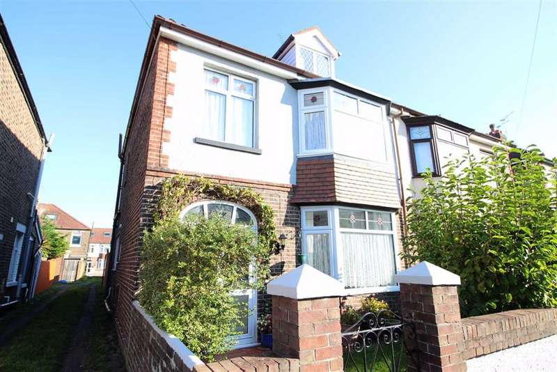 4 Bedrooms Semi Detached House for sale in Southwood Road, Hilsea, Portsmouth