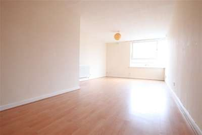 3 Bedrooms Flat for rent in Byres Road, West End