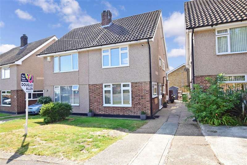 2 Bedrooms Semi Detached House for sale in Edward Gardens, , Wickford, Essex