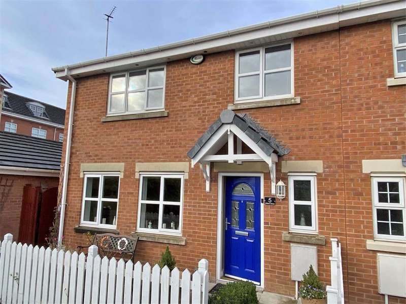 4 Bedrooms End Of Terrace House for sale in Millers Close, Cypress Point, Lytham St Annes