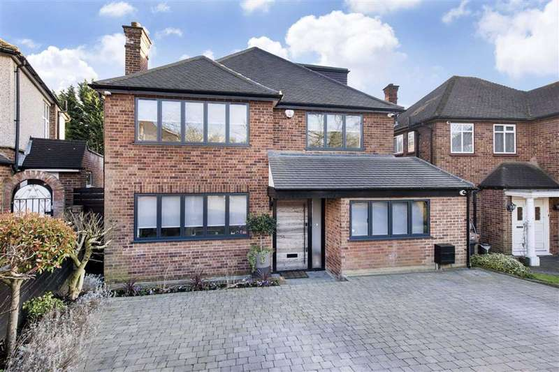 4 Bedrooms Detached House for sale in Marsh Close, Mill Hill