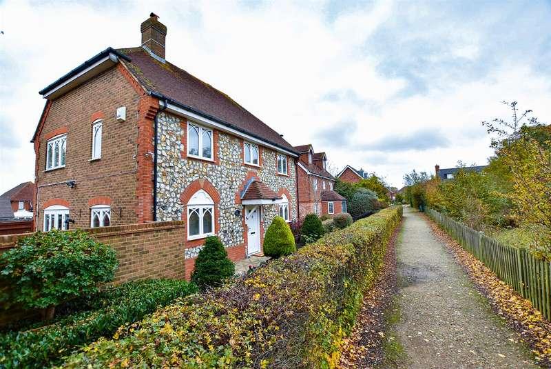 4 Bedrooms Semi Detached House for sale in Oslin Walk, Kings Hill, West Malling