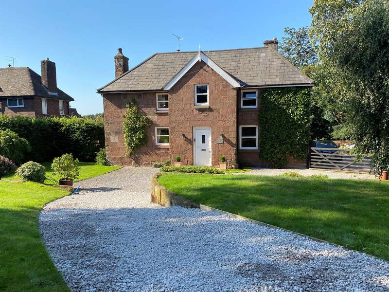 6 Bedrooms Detached House for sale in Chester High Road, Hinderton, Cheshire, CH64 7TB
