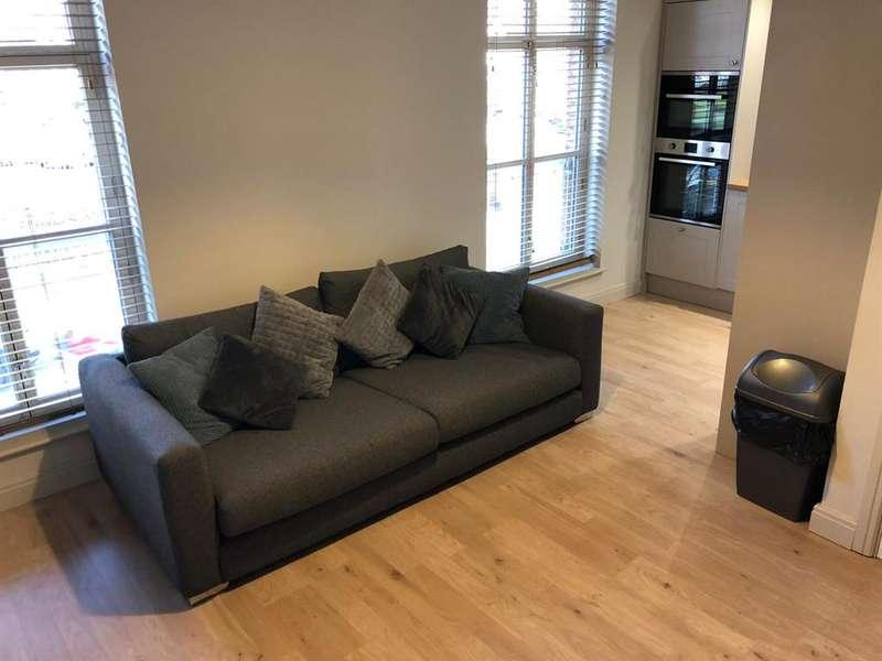 2 Bedrooms Flat for rent in 51-53 Great George Street, Leeds, LS1 3BB