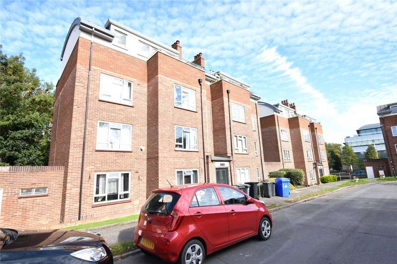 2 Bedrooms Apartment Flat for rent in Courtlands, Maidenhead, Berkshire, SL6