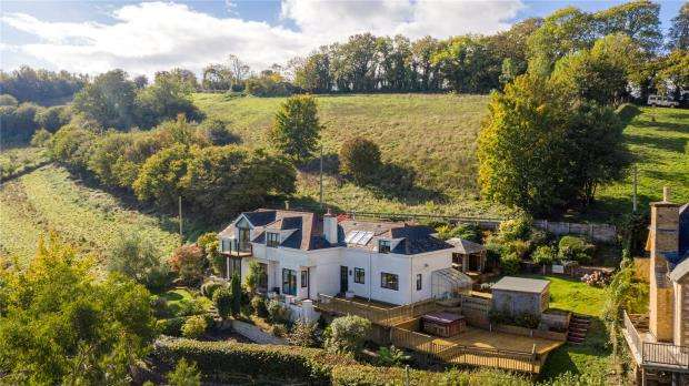 4 Bedrooms Detached House for sale in Ivy Tree Hill, Stokeinteignhead, Newton Abbot