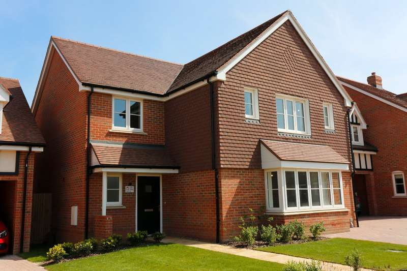 4 Bedrooms Semi Detached House for sale in Orchard Green, Brogdale Road, Faversham, Kent, ME13