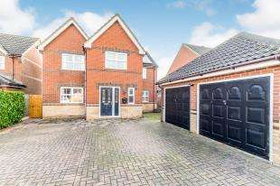 5 Bedrooms Detached House for sale in Topley Drive, High Halstow, Rochester, Kent