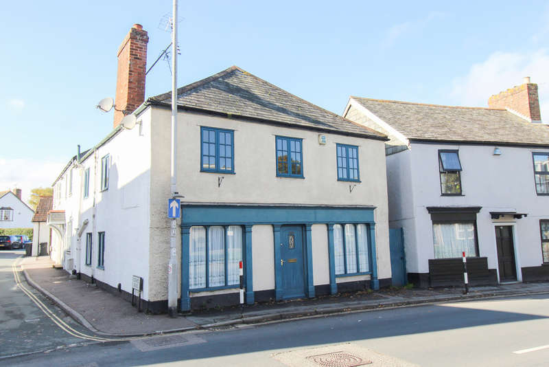 2 Bedrooms Flat for sale in Church Road, Alphington, Exeter