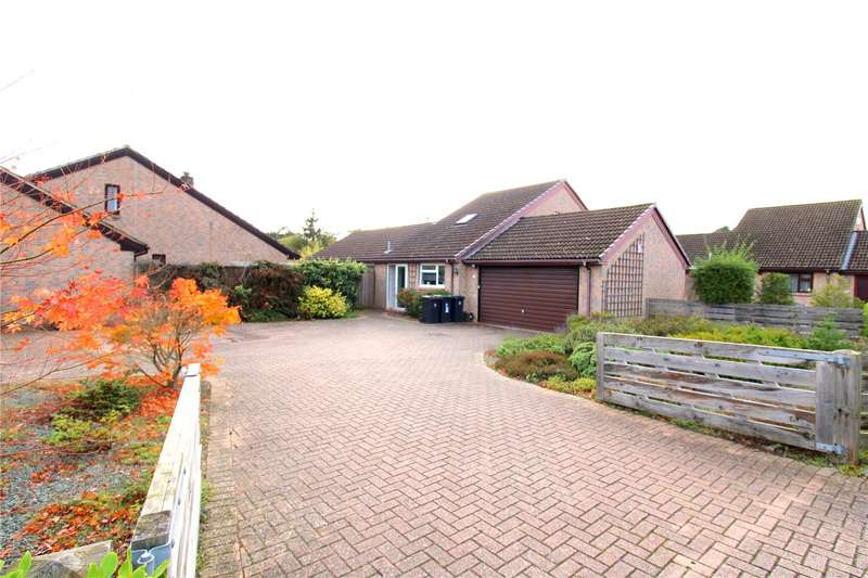 4 Bedrooms Detached House for sale in Heath Road, St. Leonards, Ringwood, BH24