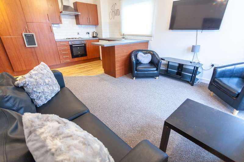 3 Bedrooms Flat for rent in Marlborough Street, The Mono Building, L3 2BS, Liverpool