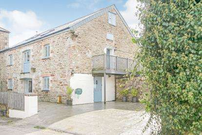 5 Bedrooms Barn Conversion Character Property for sale in Grampound Road, Truro, Cornwall.
