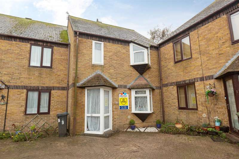 3 Bedrooms Semi Detached House for sale in Holton Close, Birchington