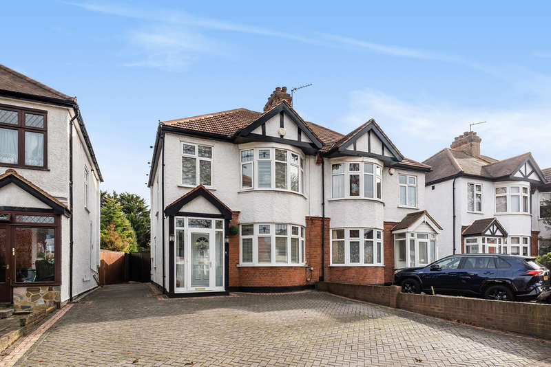3 Bedrooms Semi Detached House for sale in Avery Hill Road, London, SE9
