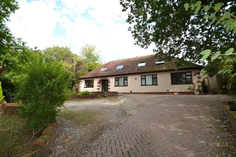 5 Bedrooms Detached House for sale in Rochester Road, Chatham, ME5