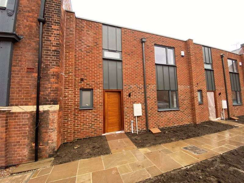 3 Bedrooms Property for rent in 5 Whitefriars, off Friar Lane Licester, LE1 5RB